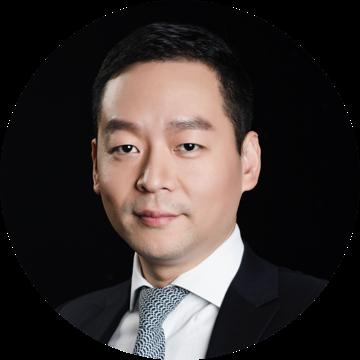 铜板街集团创始人、董事长兼CEO:何俊